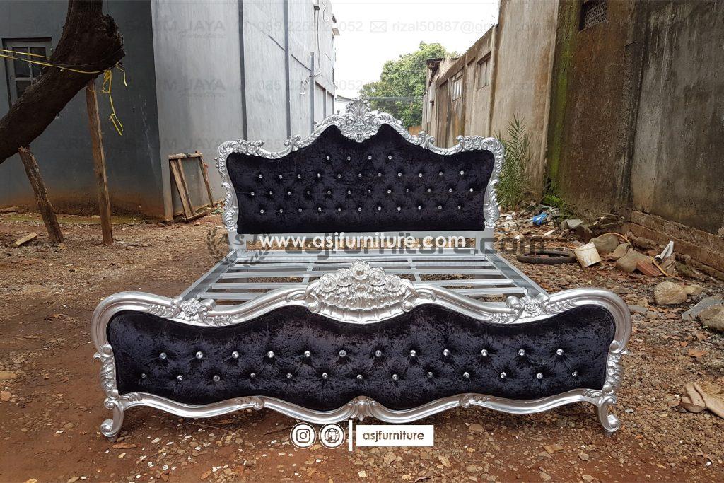 Tempat Tidur Ukir Sandaran Sofa